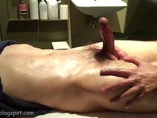 Piss and cum in Singapore's massage spa