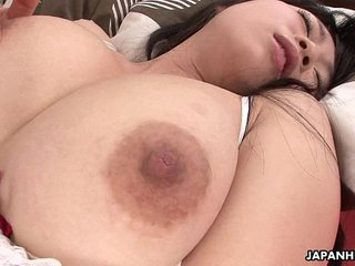 Asian babe uses her sex toy to get off like a nymph