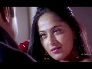 Anushka Shetty hot Saree Changing & exposing her body